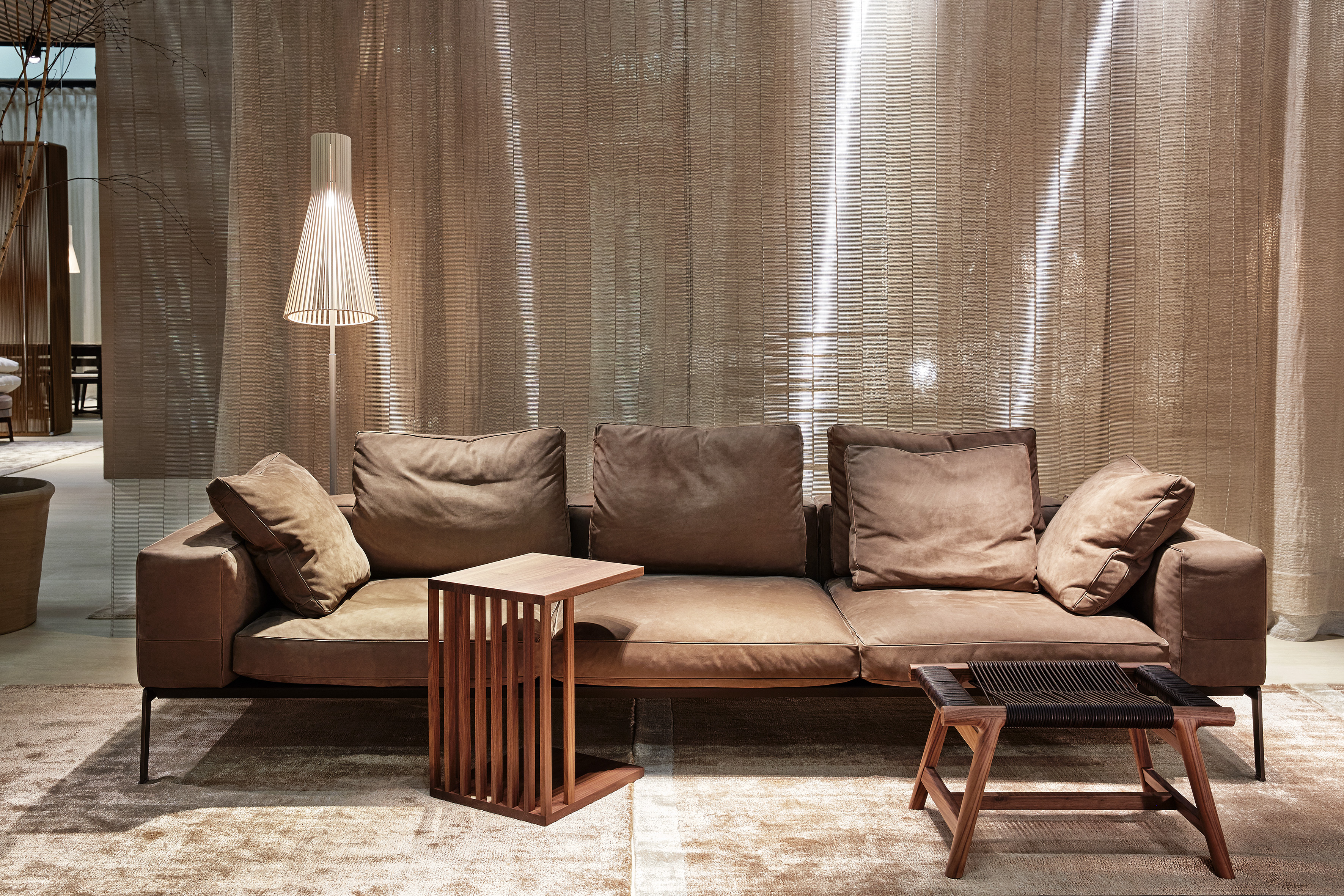 cassina sofa gebraucht stunning cassina gebraucht bei. Black Bedroom Furniture Sets. Home Design Ideas