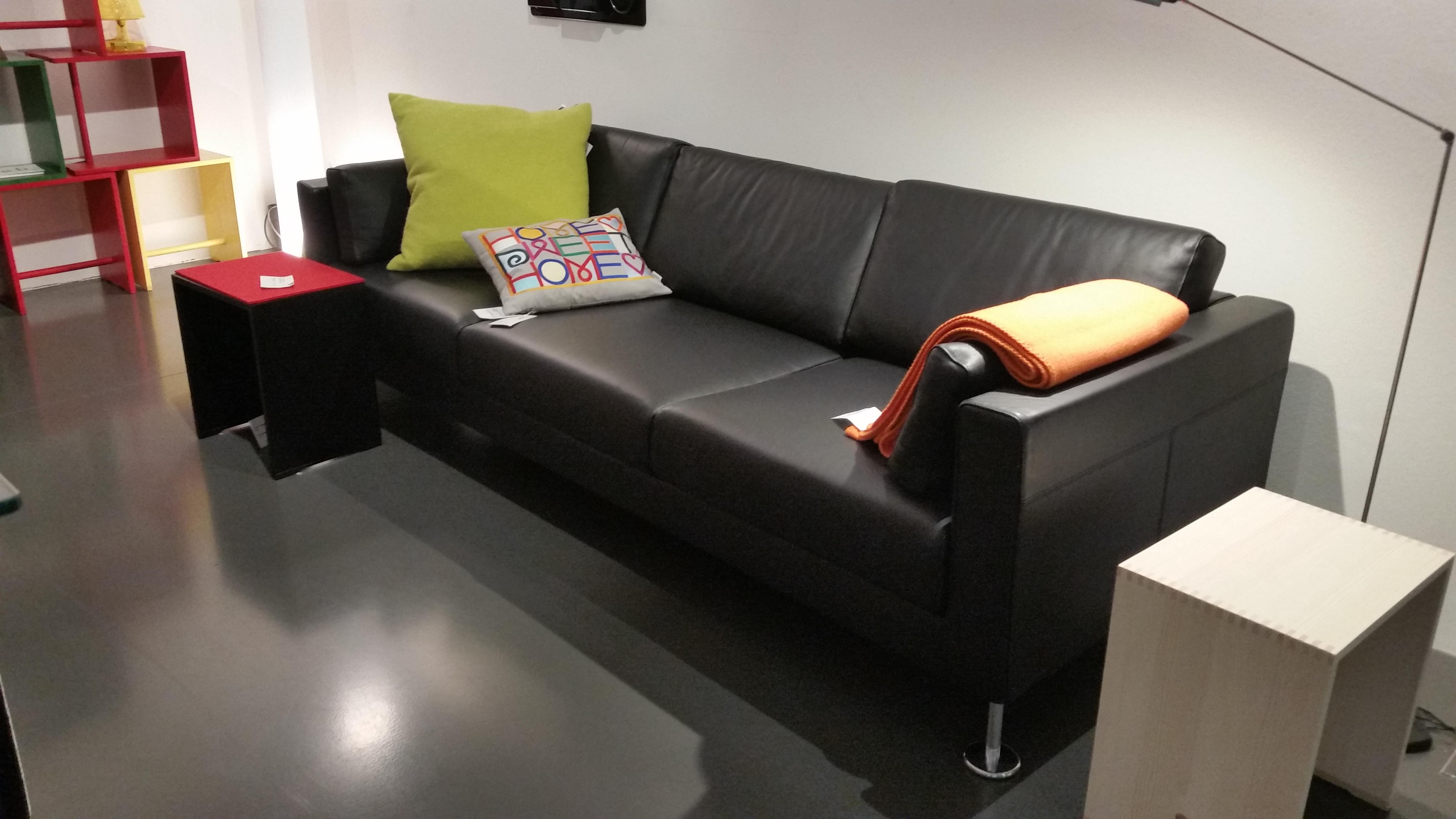 Design outlet und lagerverkauf im wohnbedarf basel for Ledersofa lagerverkauf